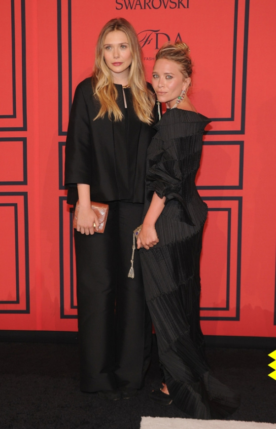 01 Elizabeth Olsen in vintage Issey Miyake and Mary Kate in a gown by The Row