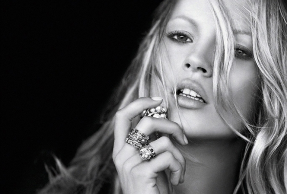 Share-Design_Kate-The-Kate-Moss-Book-02